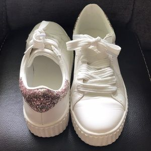 Girls or Woman's Size 7 Sneakers